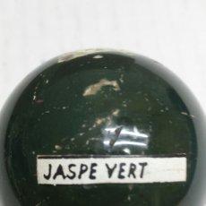 Coleccionismo de minerales: GEMA BOLA PULIDA JASPE VERT. Lote 77934909