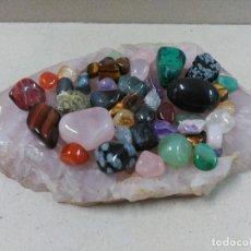 Coleccionismo de minerales: PIEZA DE CUARZO ROSA Y 43 PIEDRAS PULIDAS. Lote 98848911