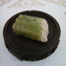 Coleccionismo de minerales: GRAN PEDAZO DE TURMALINA VERDE EN BRUTO - 239.5 CT. Lote 101640047