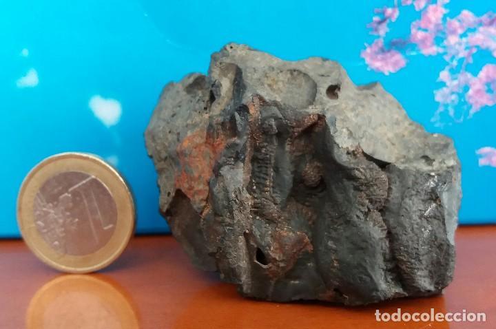 F-494- MINERAL GOETHITA. SIERRA DE CALDEREROS, GUADALAJARA. 120 G. (Coleccionismo - Mineralogía - Otros)