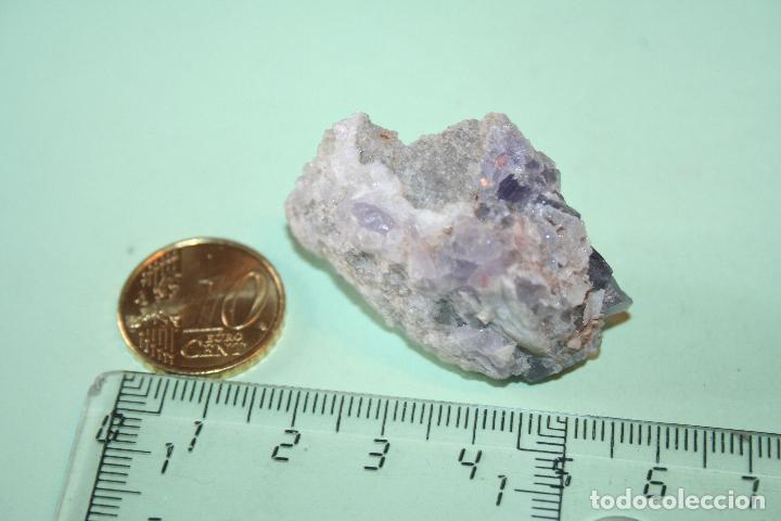 LOTE Nº 26 --) PIEDRA MINERAL NATURAL MASIVA (A CATALOGAR) (Coleccionismo - Mineralogía - Otros)