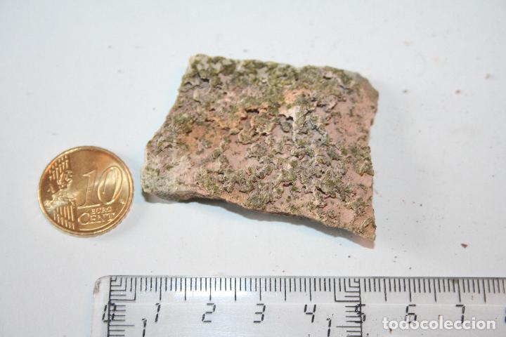 LOTE Nº 51 --) PIEDRA MINERAL NATURAL MASIVA (A CATALOGAR) (Coleccionismo - Mineralogía - Otros)