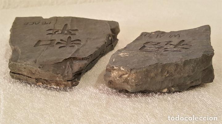 Coleccionismo de minerales: BONITA PAREJA DE PIEDRAS CALIZA CON MENSAJE (LA PAZ CON NOSOTROS) - 7.5X11 Y 12X13.CM - 680.GRAMOS - Foto 11 - 159015090