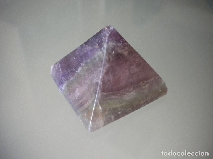 PRISMA MINERAL PULIDO. 3 X 3 CM (Coleccionismo - Mineralogía - Otros)