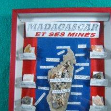 Coleccionismo de minerales: MADAGASCAR ET SES MINES-ANTANARIVO-MAJUNGA-TULEAR-10 MINERALES MINAS DE LA ISLA-20X15X2 CM-1980?. Lote 189467453