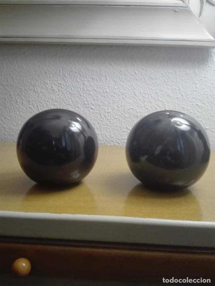 Coleccionismo de minerales: Pareja de bolas de mármol negro - Foto 3 - 190593767