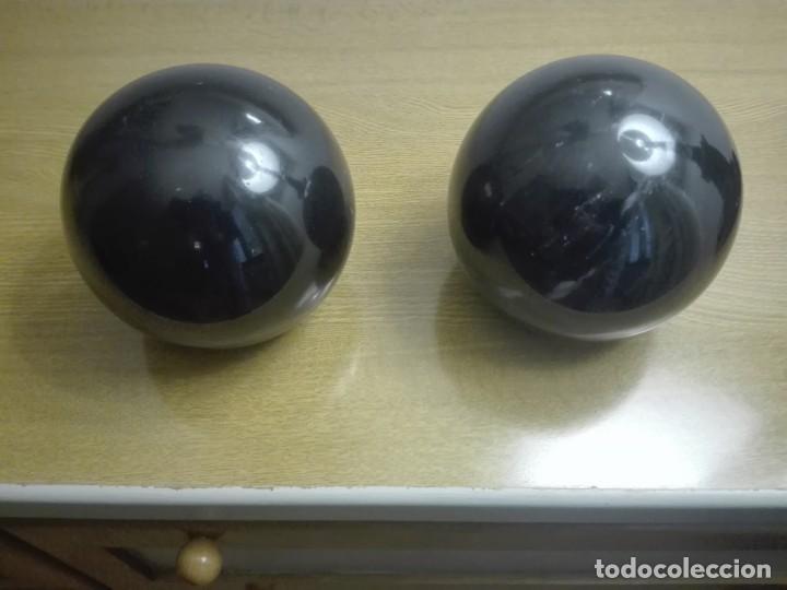 Coleccionismo de minerales: Pareja de bolas de mármol negro - Foto 4 - 190593767