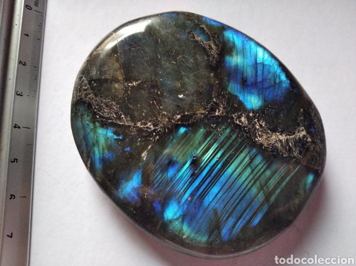 LABRADORITA MINERAL 7,5 X 6 X 0,7 CM (Coleccionismo - Mineralogía - Otros)