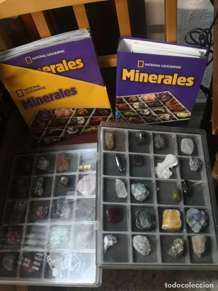 COLECCION COMPLETA 40 MINERALES CON FACCICULOS Y CARPETA NATIONAL GEOGRAPHIC (Coleccionismo - Mineralogía - Otros)