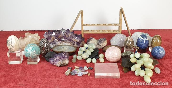 COLECCIÓN DE MINERALES. VARIOS TAMAÑOS Y FORMAS. SIGLO XX. (Coleccionismo - Mineralogía - Otros)