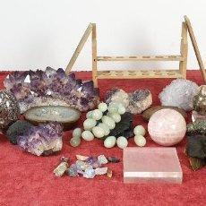 Coleccionismo de minerales: COLECCIÓN DE MINERALES. VARIOS TAMAÑOS Y FORMAS. SIGLO XX. . Lote 198285046