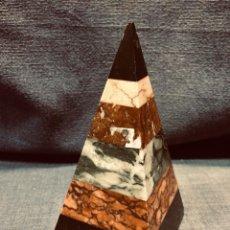 Coleccionismo de minerales: MUESTRARIO PIRÁMIDE MÁRMOLES BELGA NEGRO SARRANCOLIN ROJO VERDE GRIOTTE AMARILLO VALENCIA S XIX. Lote 204816135