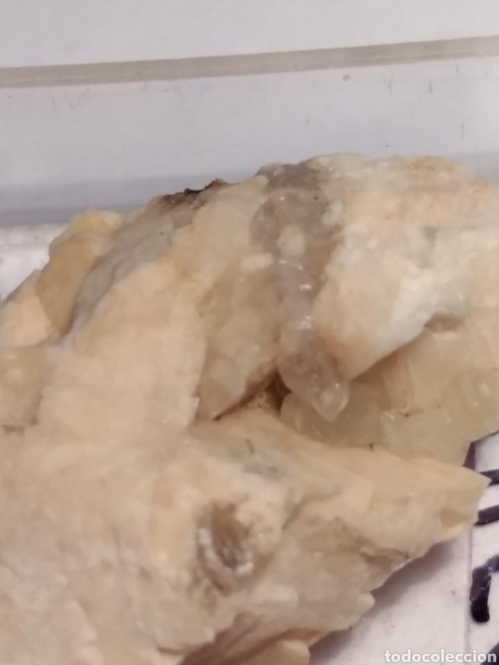 MINERAL CRISTALIZADO APATITO. ALEMANIA. (Coleccionismo - Mineralogía - Otros)