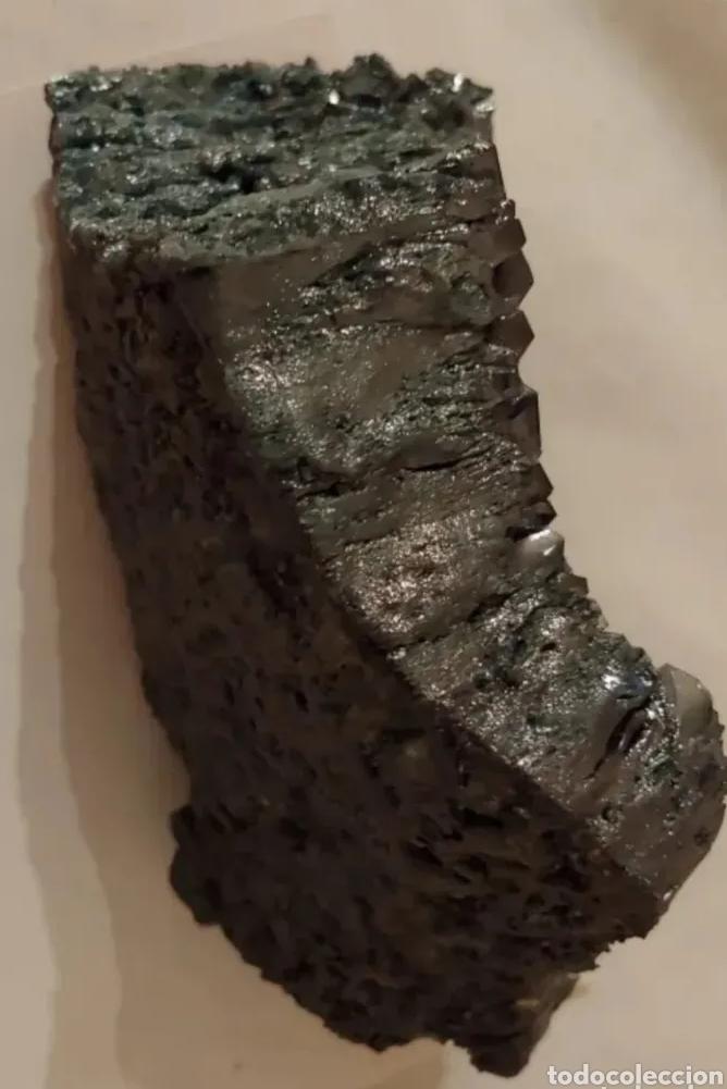 PIEDRA CARBORUNDUM COLOR GRIS VERDOSO (Coleccionismo - Mineralogía - Otros)