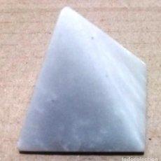 Collectionnisme de minéraux: PEQUEÑA PIRAMIDE DE MARMOL. Lote 226560670