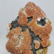 Coleccionismo de minerales: BARITINA Y WULFENITA SOBRE GALENA. Lote 240203595