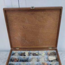 Coleccionismo de minerales: CAJA EXPOSITORA MINERALES. Lote 269416098