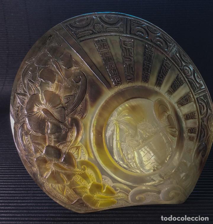Coleccionismo de moluscos: EXTRAORDINARIA MADREPERLA DE NACAR TALLADA CON MOTIVOS AZTECAS. VER FOTOS - Foto 2 - 121001467