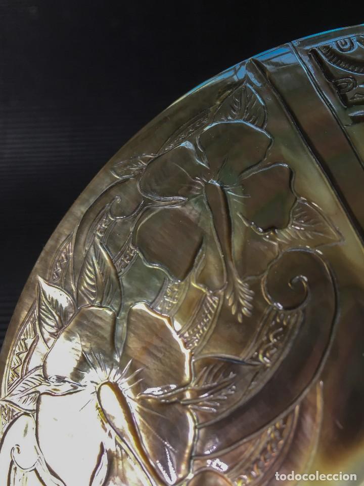 Coleccionismo de moluscos: EXTRAORDINARIA MADREPERLA DE NACAR TALLADA CON MOTIVOS AZTECAS. VER FOTOS - Foto 11 - 121001467