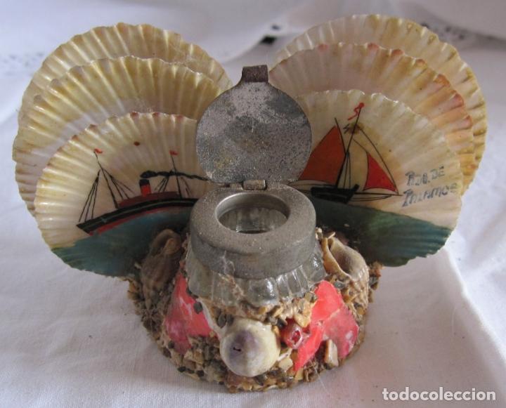 Coleccionismo de moluscos: TINTERO RECUERDO DE PALAMOS. DECORACIÓN CON BARCOS PINTADOS Y CONCHAS. 6 X 12 X 6 CM - Foto 2 - 178339223