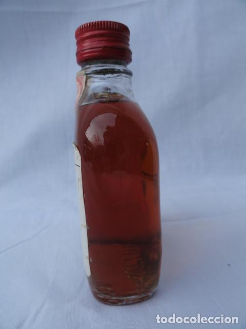 Coleccionismo Otros Botellas y Bebidas: BOTELLA PETACA FUNDADOR CON SELLO 50 CENTIMOS. - Foto 2 - 81830716