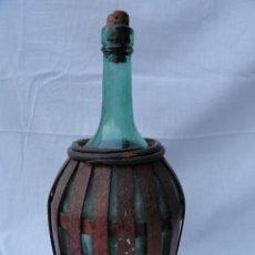 Coleccionismo Otros Botellas y Bebidas: BOTELLA GARRAFA CRISTAL CON PROTECCIÓN.. Lote 81832816