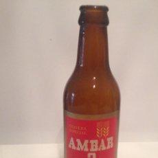 Coleccionismo Otros Botellas y Bebidas: BOTELLA CERVEZA AMBAR 2 ETIQUETA. Lote 83051916