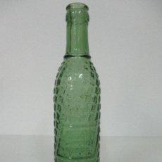 Coleccionismo Otros Botellas y Bebidas: ANTIGUA BOTELLA REFRESCO - JUGO DE PIÑA TROPICAL - CRISTAL SOPLADO, EN RELIEVE -ESTEBAN GAY -AÑOS 50. Lote 85691940