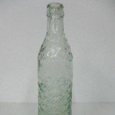 Coleccionismo Otros Botellas y Bebidas: ANTIGUA BOTELLA GASEOSA - REINA GILLENA - CRISTAL SOPLADO, EN RELIEVE -AÑOS 50. Lote 85693604