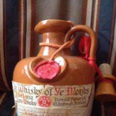 Coleccionismo Otros Botellas y Bebidas: GARRAFA DE BARRO DE WHISKY OF YE MONKS, SELLADA Y LACRADA. Lote 86542448