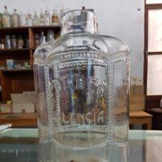 Coleccionismo Otros Botellas y Bebidas: ANTIGUA BOTELLA DE PERFUME A GRANEL, CON GRIFO, PERLEA VALENCIA. Lote 152332638