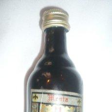 Coleccionismo Otros Botellas y Bebidas: BOTELLA ANTIGUA DESTILERIAS BERNAL (PALMAR;MURCIA). Lote 90127172