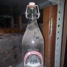 Coleccionismo Otros Botellas y Bebidas: BOTELLA GASEOSA KILIM PONFERRADA. Lote 91806550