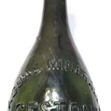 Coleccionismo Otros Botellas y Bebidas: BOTELLA ANTIGUA AGUA MINERAL CESTONA. Lote 92055249