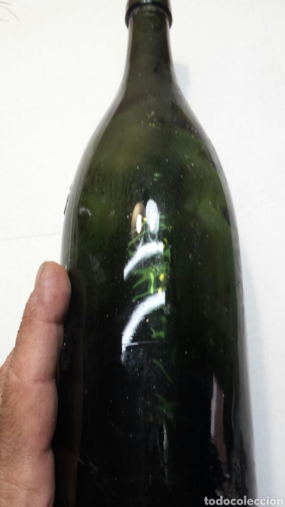 Coleccionismo Otros Botellas y Bebidas: Botella antigua agua mineral Cestona - Foto 5 - 92055249