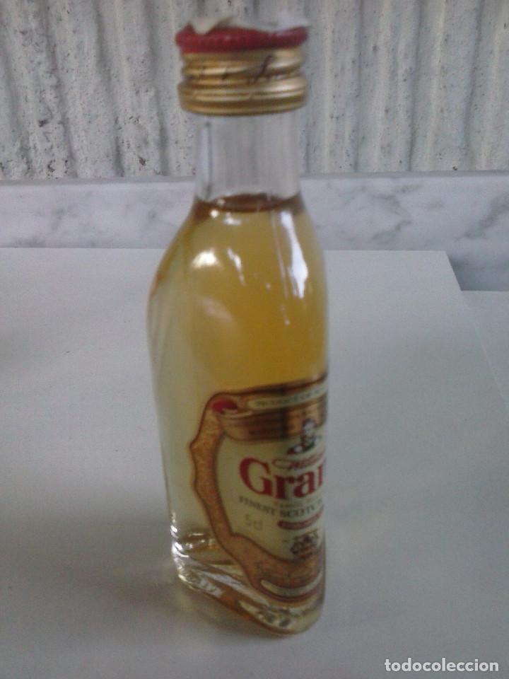 Coleccionismo Otros Botellas y Bebidas: Botellin Whisky William Grant´s. Mini botella - Foto 3 - 95463415