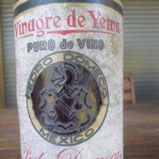 Coleccionismo Otros Botellas y Bebidas: BOTELLA PEDRO DOMECQ (JEREZ DE LA FRONTERA) ELABORADO EN SU BODEGA LOS REYES MEXICO CON 47 AÑOS. Lote 95619375