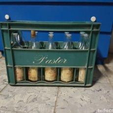 Coleccionismo Otros Botellas y Bebidas: CAJA CON 8 BOTELLAS, CAFE LICOR UN COLPET, PASTOR. Lote 97464158