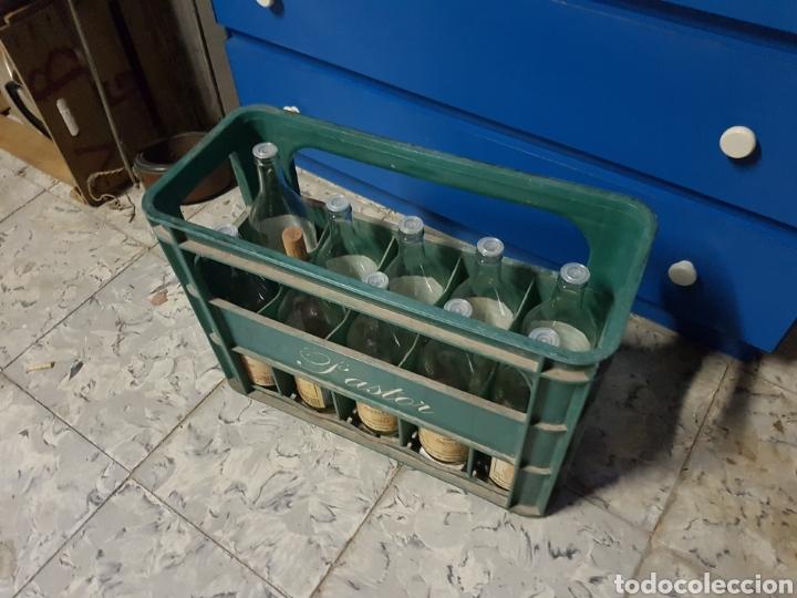 Coleccionismo Otros Botellas y Bebidas: CAJA CON 8 BOTELLAS, CAFE LICOR UN COLPET, PASTOR - Foto 2 - 97464158