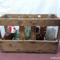 Coleccionismo Otros Botellas y Bebidas: CAJA DE GASEOSAS DE MADERA CON BOTELLAS...SAN MARTIN..GUERRA.. GOULDER, AGUILA, COCACOLA... Lote 97648787
