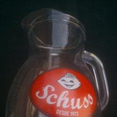 Coleccionismo Otros Botellas y Bebidas: JARRA DE 1 LT. GASEOSA SCHUSS COMPAÑIA COCA-COLA. Lote 100253831