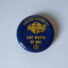 Coleccionismo Otros Botellas y Bebidas: CHAPA TAPÓN ENGLISH LESSONS BY THE RADICAL COMPANY #4 - LIKE WATER OF MAY. Lote 106615323