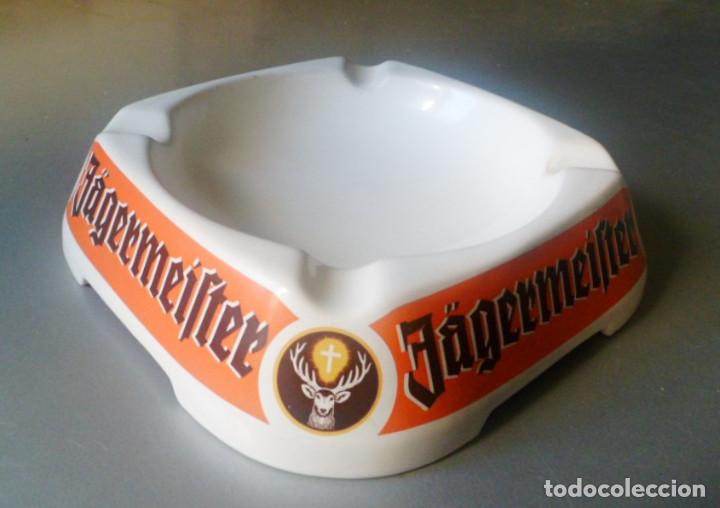 Coleccionismo Otros Botellas y Bebidas: JAGERMEISTER CENICERO PORCELANA ASHTRAY CERAMIC GOEBEL WEST GERMANY - Foto 3 - 108865863