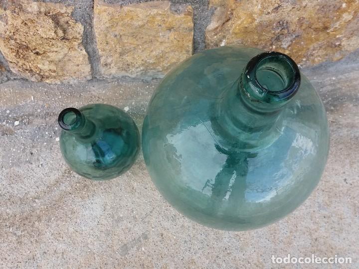 Coleccionismo Otros Botellas y Bebidas: Antiguas garrafas damajuana botellas de cristal vidrio de 2 y 16 litros - Foto 3 - 109080975