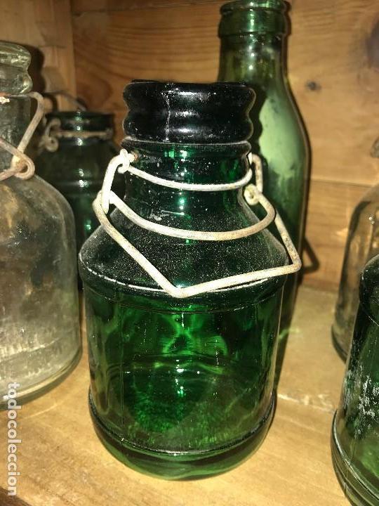Coleccionismo Otros Botellas y Bebidas: Botellas cristal leche condensada - Foto 3 - 111998259
