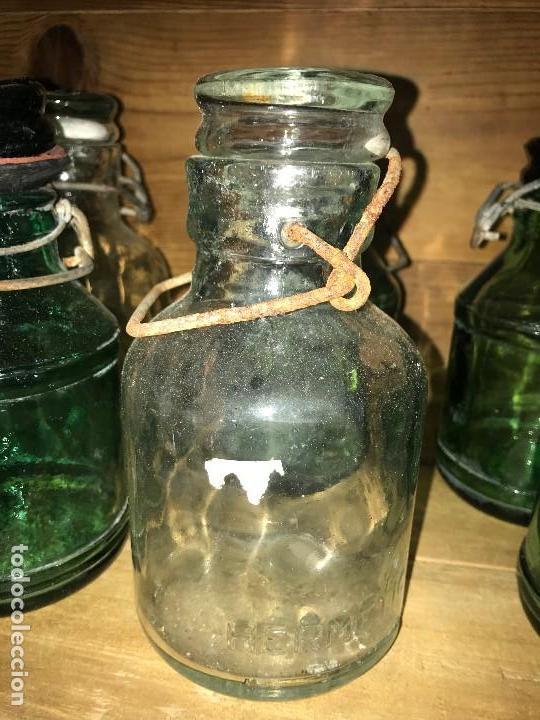 Coleccionismo Otros Botellas y Bebidas: Botellas cristal leche condensada - Foto 5 - 111998259
