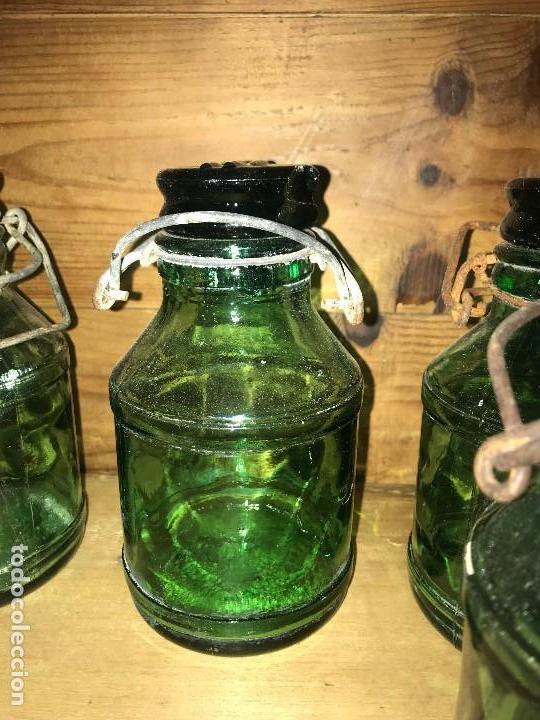 Coleccionismo Otros Botellas y Bebidas: Botellas cristal leche condensada - Foto 8 - 111998259