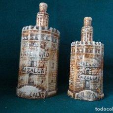 Coleccionismo Otros Botellas y Bebidas: ANIS TORRE DEL ORO. CAZALLA. JOSE CALVO. DOS BOTELLAS CERAMICAS. VACIAS.. Lote 117740907