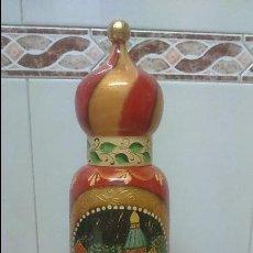 Coleccionismo Otros Botellas y Bebidas: GRAN BOTELLERO RUSO MADERA PINTADO A MANO RUSIA ESTILO MATRIOSHKA VINTAGE BIZANTINO. Lote 117777883