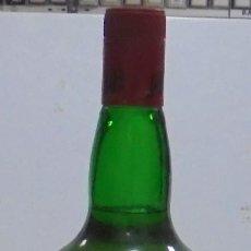 Coleccionismo Otros Botellas y Bebidas: BOTELLA. BLENDED SCOTCH WHISKY. J & B. 3 LITROS. LLENA. VER FOTOS. Lote 150970612